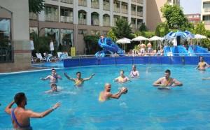 Zwembad hotel Alba