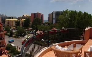 uitkijk vanaf het balkon