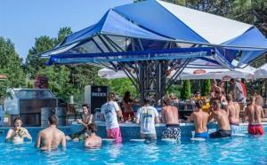 Poolbar Summer Dreams