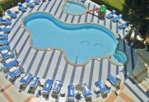 Zwembad van hotel kalofer